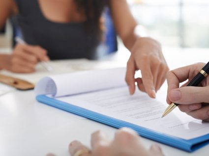 Minuta de contrato de prestação de serviços: legislação e exemplo