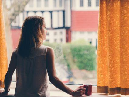 7 possíveis sintomas de cancro que as mulheres ignoram