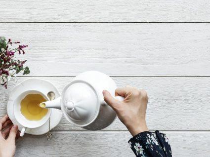 O melhor chá para azia: diga olá ao alívio