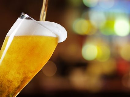 Sabe qual é a taxa máxima de álcool no sangue? Veja a tabela de coimas e sanções