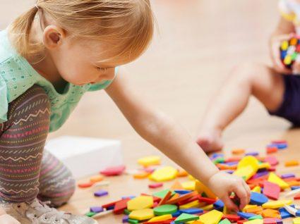 Brinquedos educativos: 10 ideias para colocar no sapatinho
