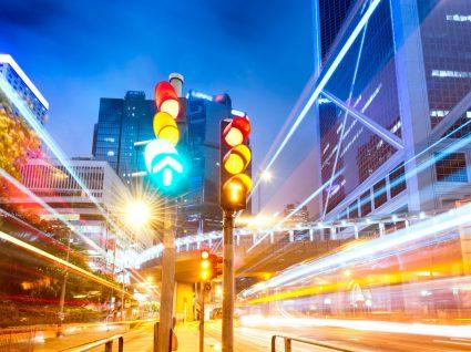 História automóvel: quando foi instalado o primeiro semáforo elétrico