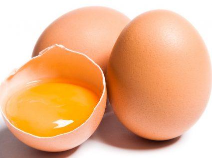Poché, fritos ou mexidos? Truques para fazer os ovos perfeitos
