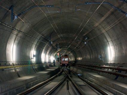 São Gotardo: vai abrir o maior túnel do mundo