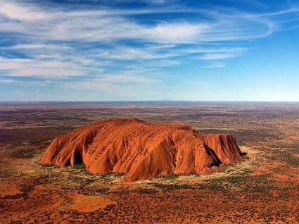 A Austrália está a proibir turistas de escalar o famoso Monte Uluru