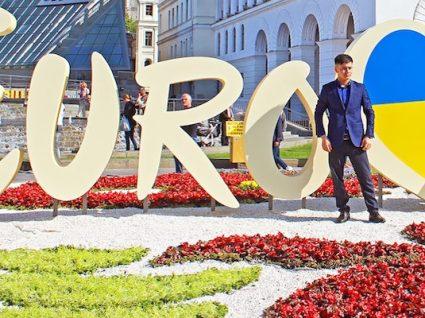 Portugal entre os 20 favoritos no Festival Eurovisão