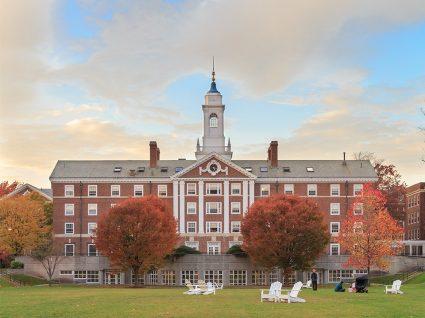 Conheça as 20 universidades mais conceituadas do mundo