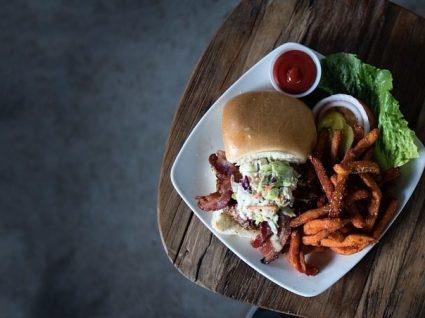 As melhores receitas de hambúrguer paleo
