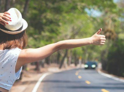 Viajar à boleia: 11 dicas e cuidados essenciais