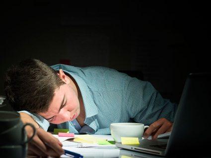 Viciado em trabalho: 4 sinais de alerta