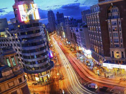 A vida noturna em Madrid: guia essencial