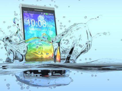 Os 5 smartphones mais resistentes à água