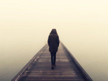 Isolamento social: causas e consequências