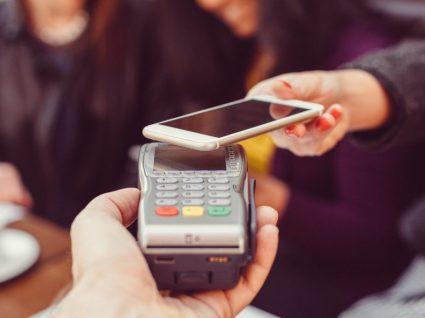 Dispara uso de dispositivos móveis para atividades bancárias