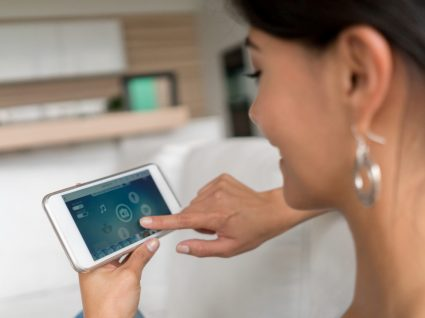 6 gadgets para a casa que pode controlar com o smartphone