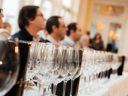 No Christmas Wine Experience há mais de 100 vinhos para o Natal
