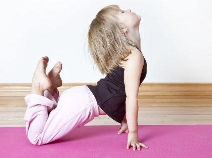 Yoga para crianças: benefícios e locais para praticar