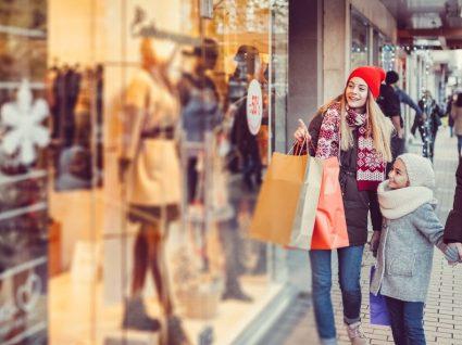 Estudo de Natal: portugueses continuam a preferir as lojas físicas