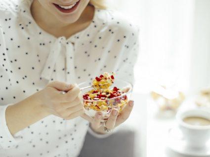 Acne: é verdade que a alimentação tem influência?