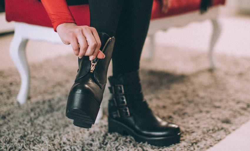 7 lojas onde pode comprar calçados baratos para mulher
