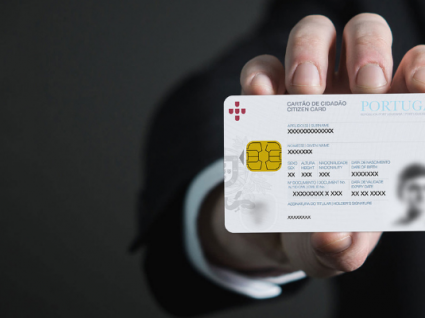 Saiba o que fazer se lhe pedirem uma fotocópia do cartão de cidadão