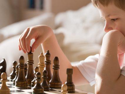 10 benefícios do xadrez na aprendizagem