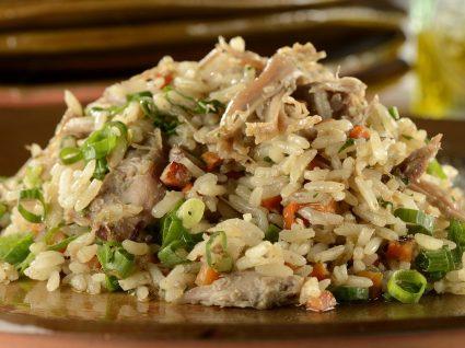 4 receitas de arroz de pato para refeições mais demoradas
