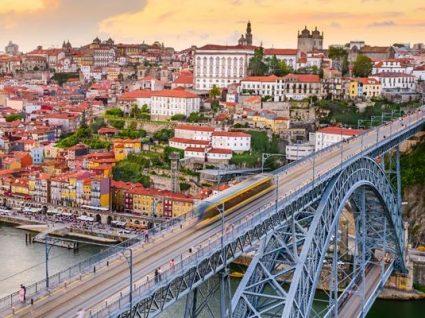 Hoje à noite há visita guiada pelas histórias de amor do Porto