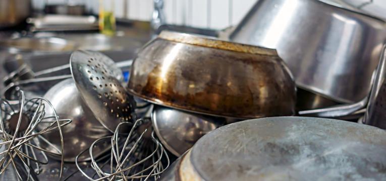 limpar tachos queimados