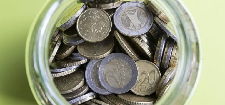 como poupar dinheiro diariamente