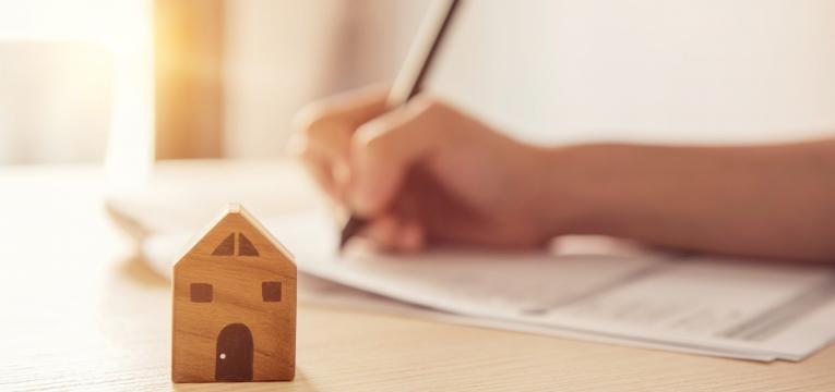 Contratos de arrendamento por transmissão