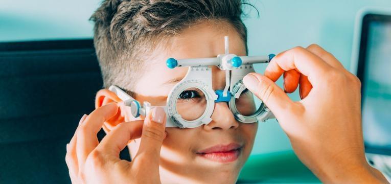 crianças subsídio óculos