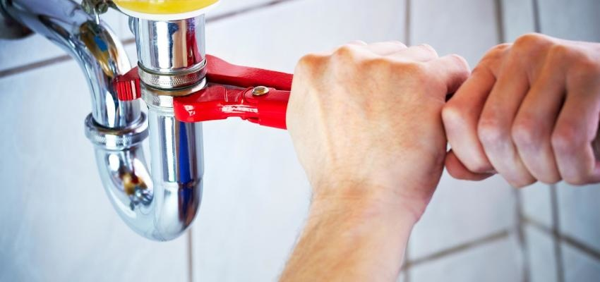 Como desentupir canos: 8 métodos caseiros super simples e eficazes