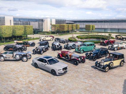 vários modelos Rolls-Royce