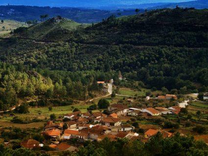 Vista da aldeia de Cambedo