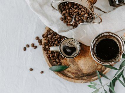 18 usos alternativos do café para aplicar em casa