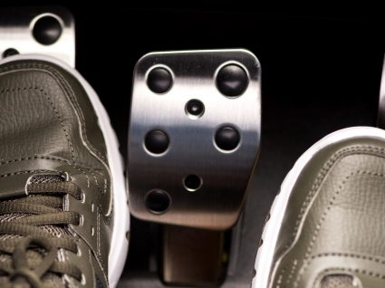 Sabe usar a embraiagem do seu carro corretamente? Evite estes 7 erros!