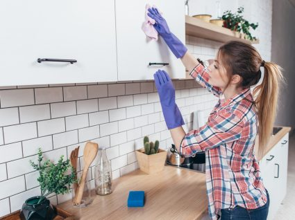 Limpar os armários de cozinha: saiba como o fazer sem dificuldade
