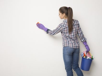 As melhores dicas para limpar paredes sem falhas