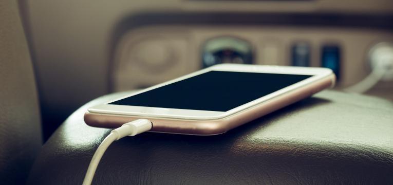 carregador telemóvel