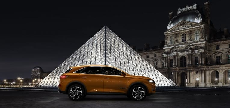 DS7 Crossback no museu do louvre