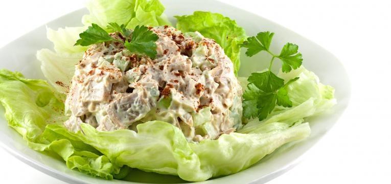 salada frango amêndoas