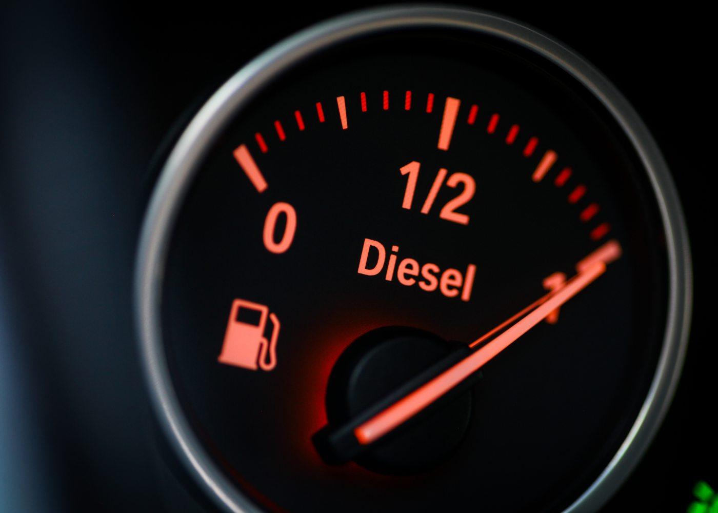 mostrador diesel para ilustrar um dos problemas mais comuns nos carros diesel