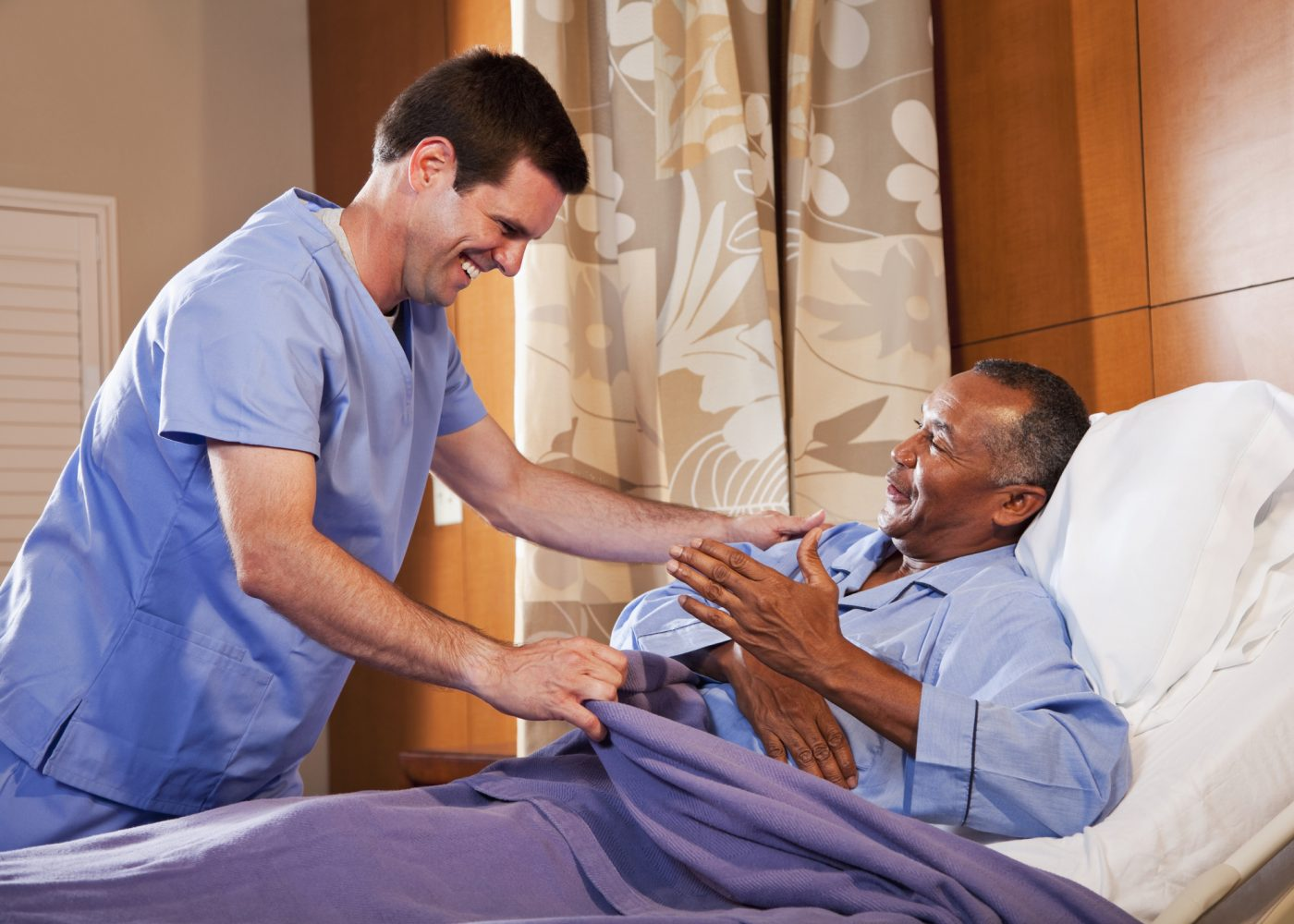 enfermeiro cuidar paciente