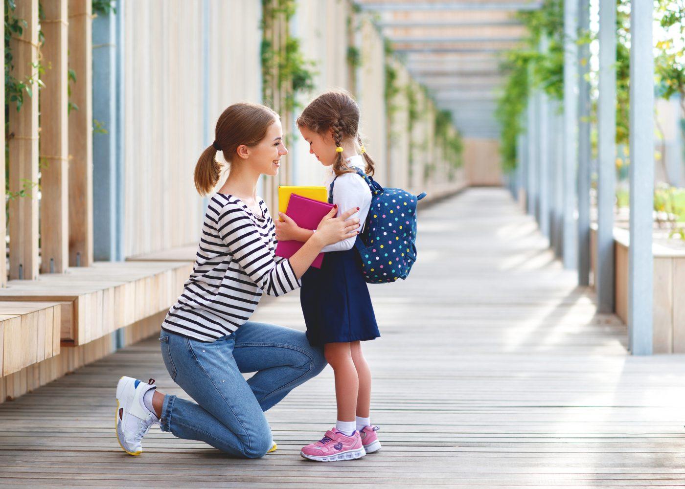 mae e filha escola