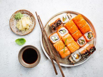 refeição de sushi caseiro