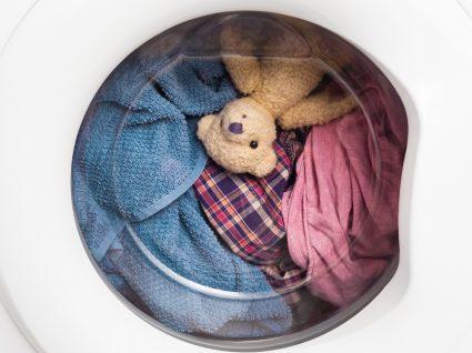 peluche na máquina de lavar