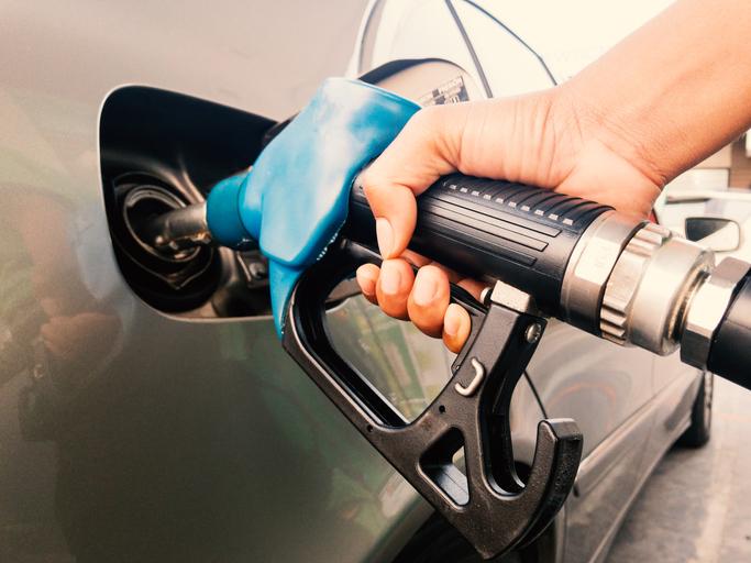 quanto paga em impostos por 20 euros de combustível