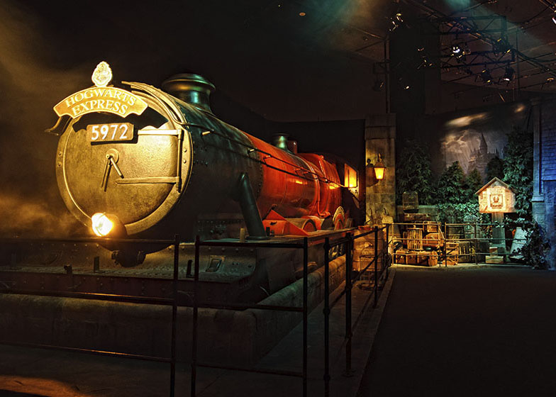 Harry-Potter-Hogsmeade-Station