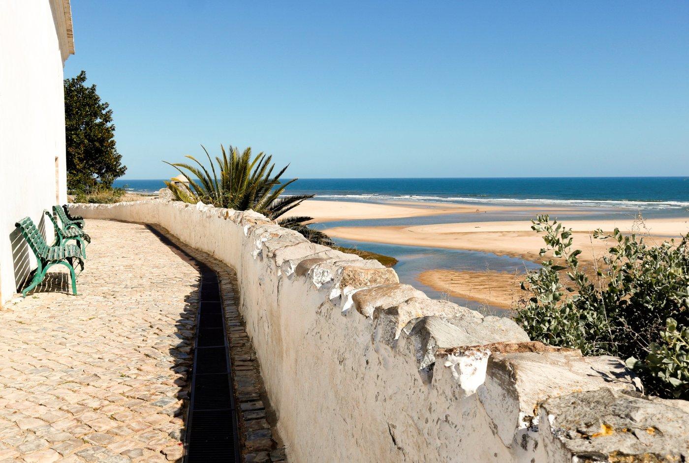 Algarve no outono em cacela velha